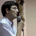 """""""La Biblia juega un rol importantísimo en la vida del católico"""""""