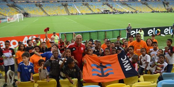 Escuela futbol SOMAR en estadio