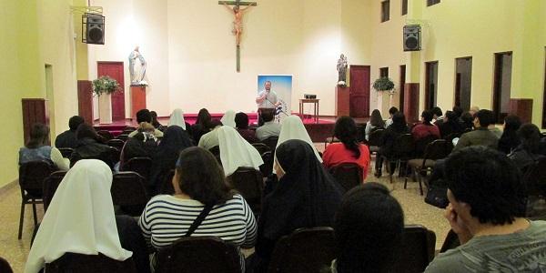 R. Sander Conferencias MVC Lima 2014 (1)