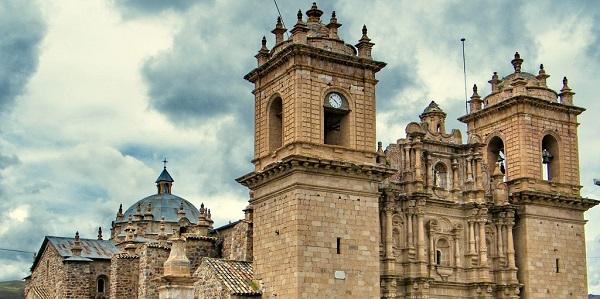 "Catedral de Ayaviri: ""Una catequesis viviente"""