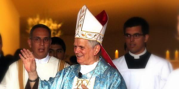 Mons. Adriano Tomasi, OFM en la misa de aniversario del Sodalicio de Vida Cristiana