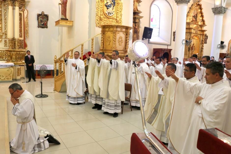 Ordenación Sacerdotal de Jaime Gómez Bolaños - Sodalicio de Vida Cristiana (23)