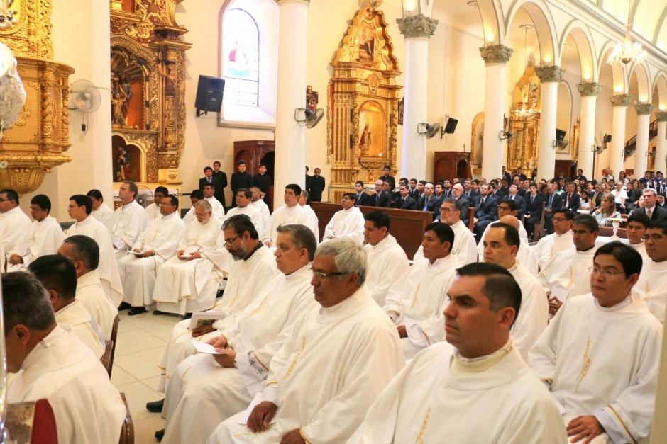 Ordenación Sacerdotal de Jaime Gómez Bolaños - Sodalicio de Vida Cristiana (6)