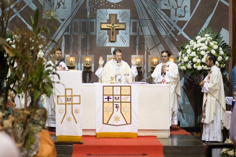 Primera misa del P Santiago Posada Sierra - Noticias Sodálites (10)