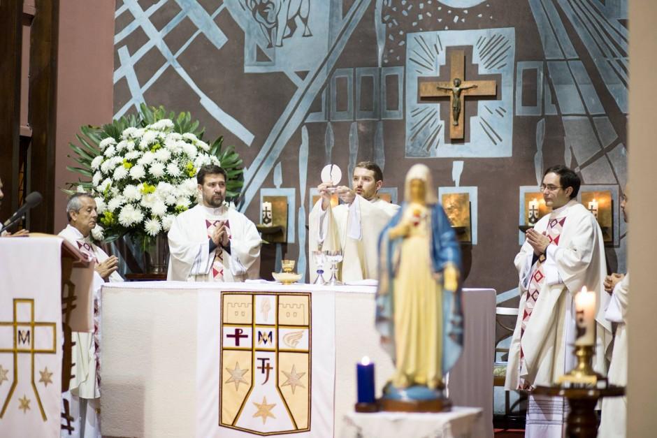 Primera misa del P Santiago Posada Sierra - Noticias Sodálites (11)