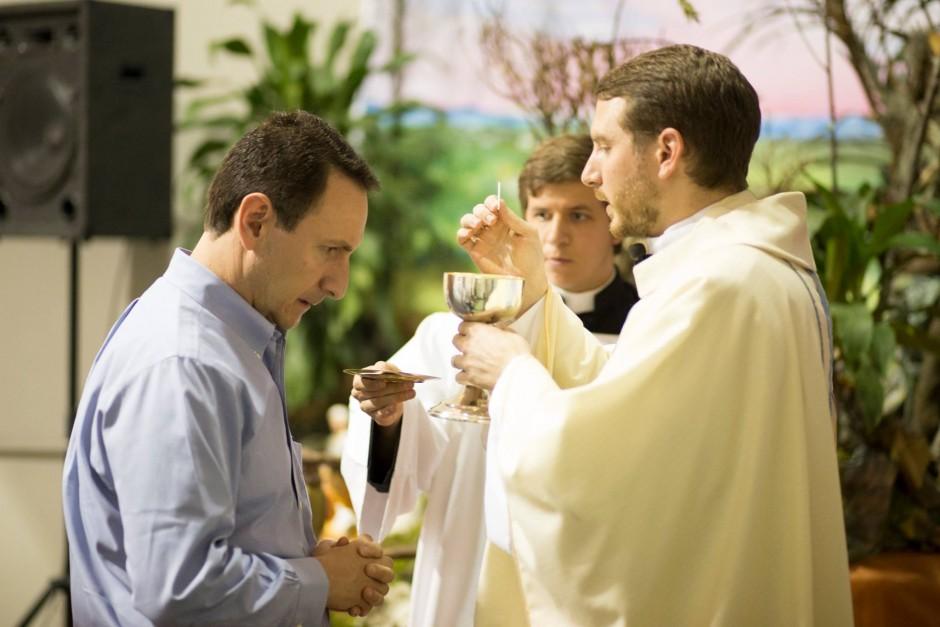 Primera misa del P Santiago Posada Sierra - Noticias Sodálites (12)