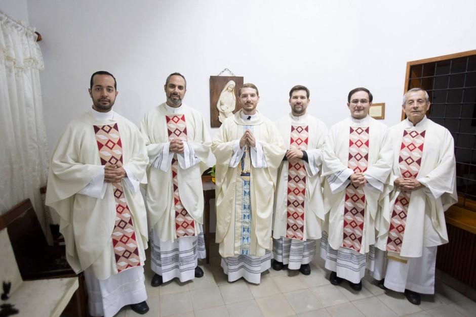 Primera misa del P Santiago Posada Sierra - Noticias Sodálites (14)