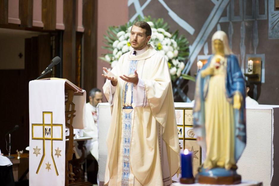 Primera misa del P Santiago Posada Sierra - Noticias Sodálites (7)