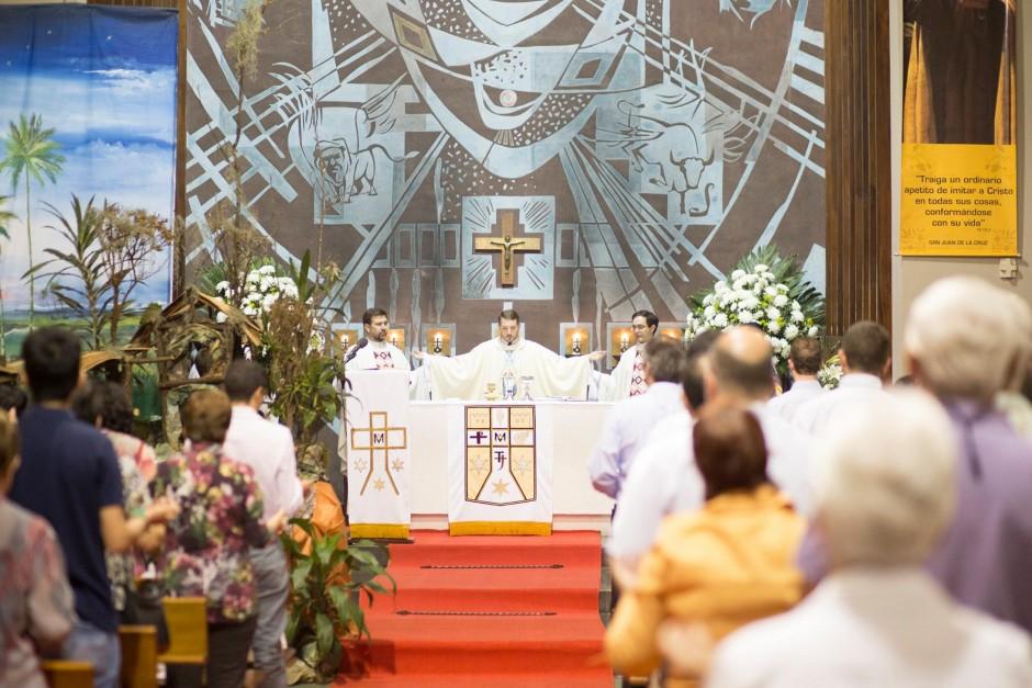 Primera misa del P Santiago Posada Sierra - Noticias Sodálites (8)
