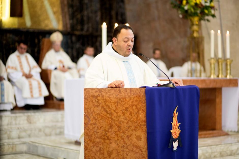 Profesión Perpetua de Óscar Tamayo en el Sodalicio de Vida Cristiana - Noticias Sodálites (7)