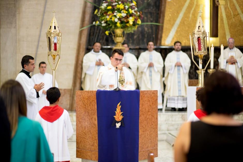 Profesión Perpetua de Óscar Tamayo en el Sodalicio de Vida Cristiana - Noticias Sodálites (8)