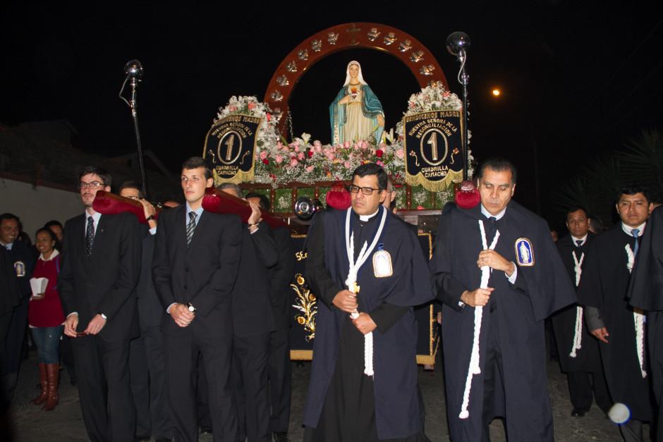 Homenaje del Sodalicio de Vida Cristiana durante la procesión de Nuestra Señora de la Reconciliación - Lima 2017 (16)