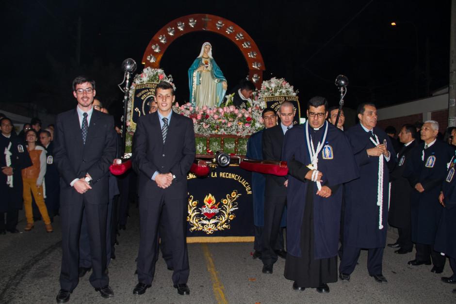 Homenaje del Sodalicio de Vida Cristiana durante la procesión de Nuestra Señora de la Reconciliación - Lima 2017 (23)