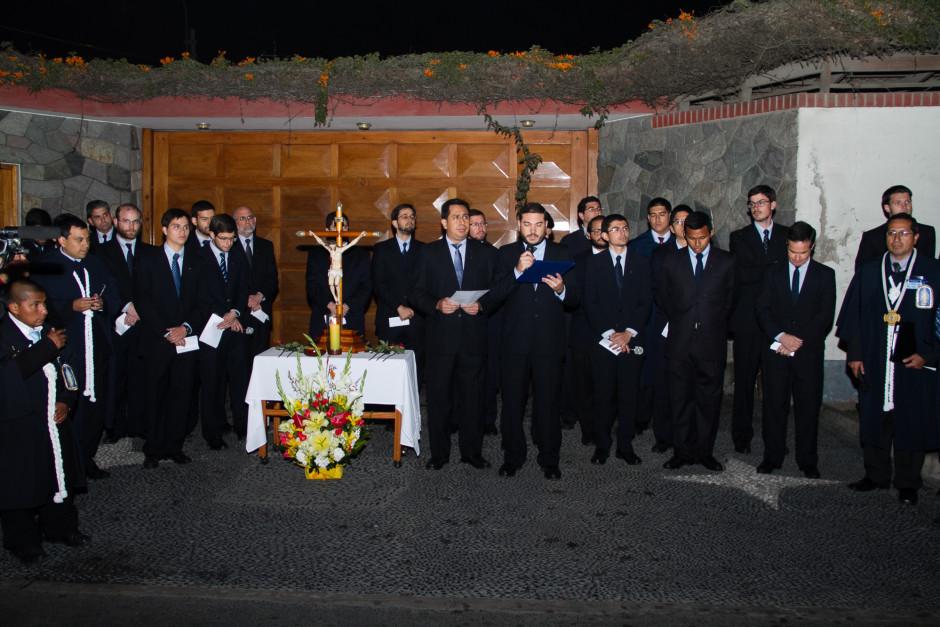 Homenaje del Sodalicio de Vida Cristiana durante la procesión de Nuestra Señora de la Reconciliación - Lima 2017 (4)