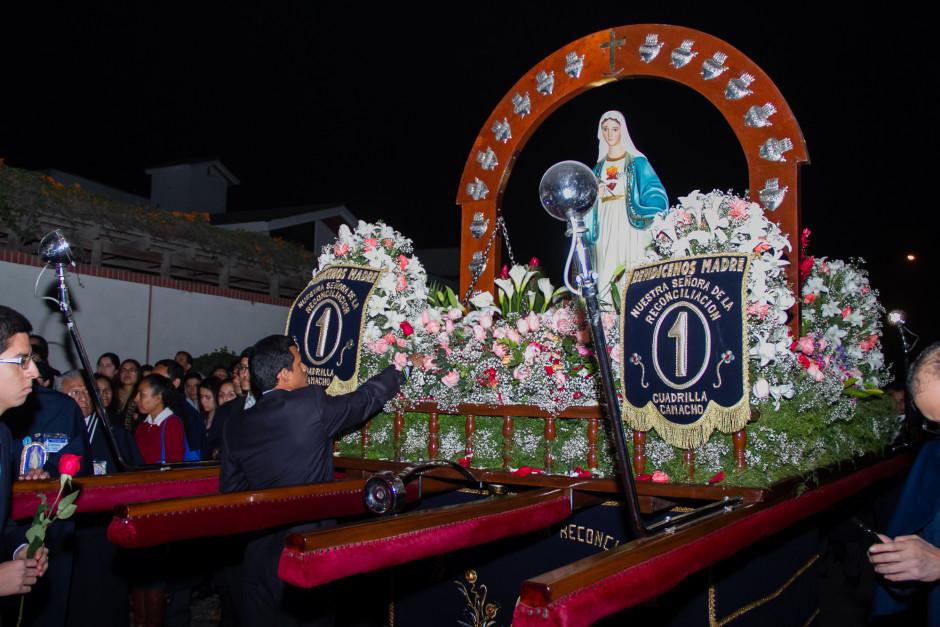 Homenaje del Sodalicio de Vida Cristiana durante la procesión de Nuestra Señora de la Reconciliación - Lima 2017 (5)