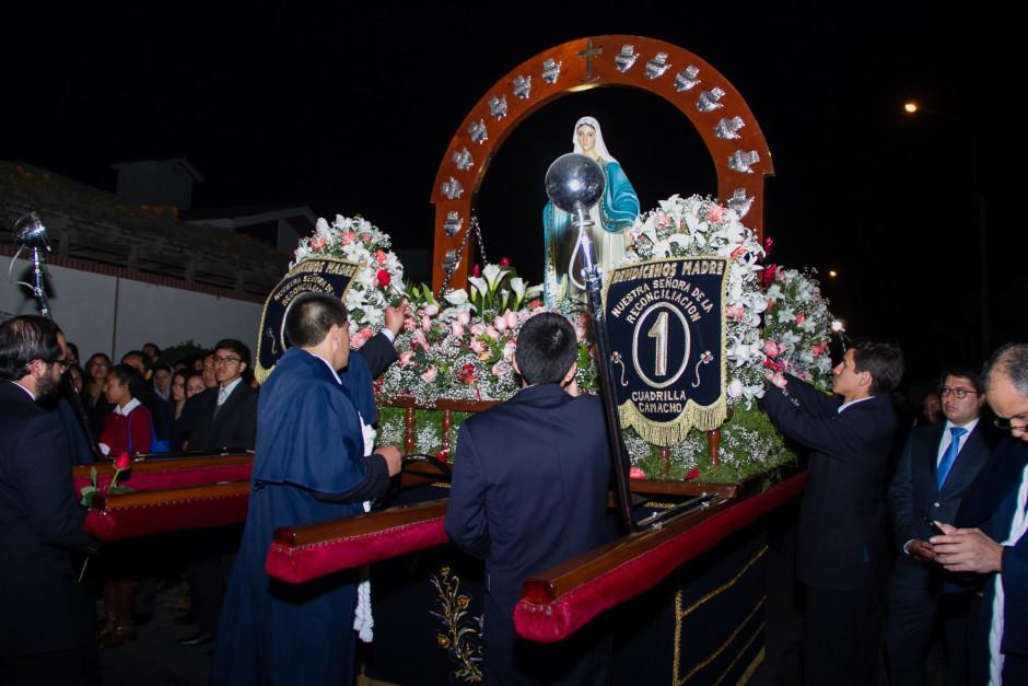 Homenaje del Sodalicio de Vida Cristiana durante la procesión de Nuestra Señora de la Reconciliación - Lima 2017 (6)