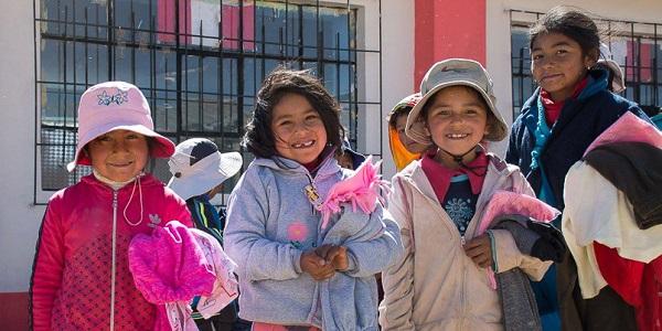 Jóvenes del Sodalicio de Vida Cristiana llevaron abrigo a los más necesitados de Puno durante Misiones 2017 - Noticias Sodálites (3)