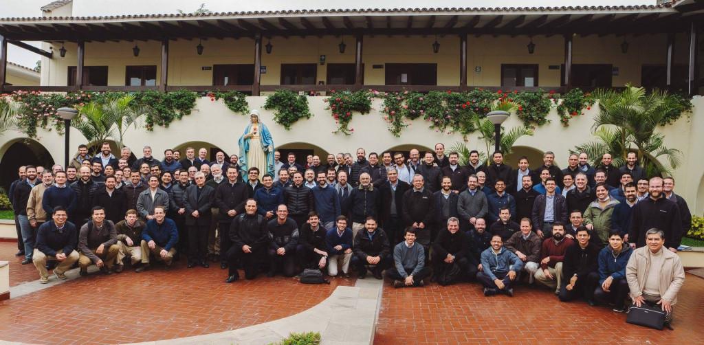 Curso de formación para el Sodalicio de Vida Cristiana a cargo del P Gianfranco Ghirlanda setiembre 2017 (2)
