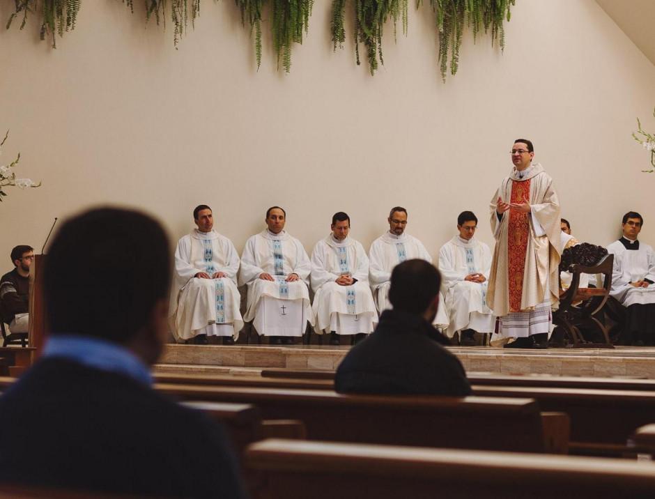 Curso de formación para el Sodalicio de Vida Cristiana a cargo del P Gianfranco Ghirlanda setiembre 2017 (3)