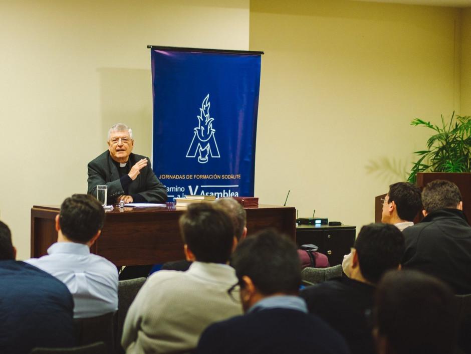 Curso de formación para el Sodalicio de Vida Cristiana a cargo del P Gianfranco Ghirlanda setiembre 2017 (5)