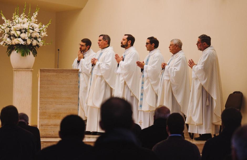 Curso de formación para el Sodalicio de Vida Cristiana a cargo del P Gianfranco Ghirlanda setiembre 2017 (7)