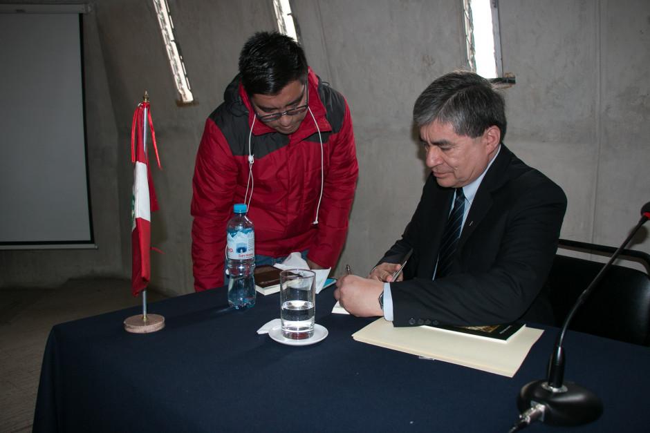 Presentación del libro San Agustín Maestro y Doctor del sodálite Gustavo Sánchez - Noticias Sodálites (11)
