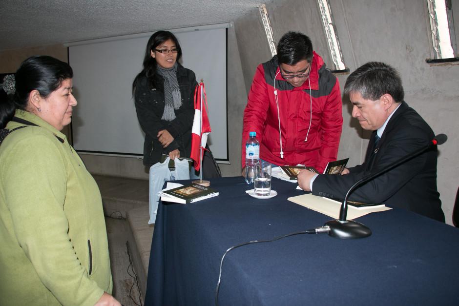 Presentación del libro San Agustín Maestro y Doctor del sodálite Gustavo Sánchez - Noticias Sodálites (12)