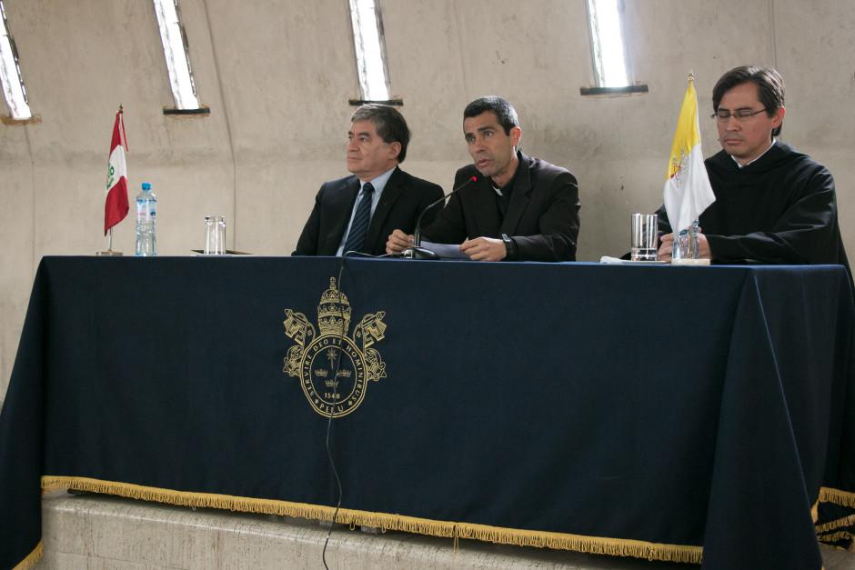 Presentación del libro San Agustín Maestro y Doctor del sodálite Gustavo Sánchez - Noticias Sodálites (2)