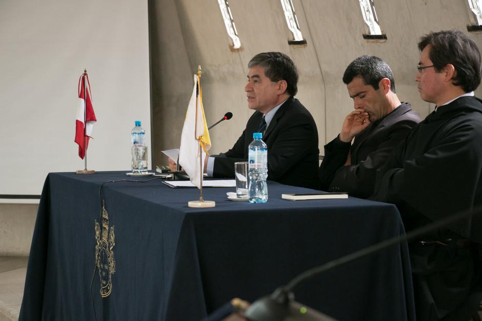 Presentación del libro San Agustín Maestro y Doctor del sodálite Gustavo Sánchez - Noticias Sodálites (7)