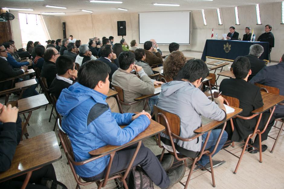 Presentación del libro San Agustín Maestro y Doctor del sodálite Gustavo Sánchez - Noticias Sodálites (9)