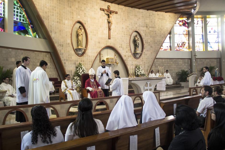 Ordenación Diaconal de Luis Troya en el Sodalicio de Vida Cristiana (10)