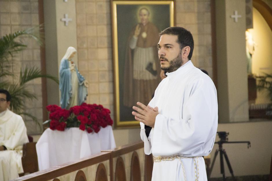Ordenación Diaconal de Luis Troya en el Sodalicio de Vida Cristiana (11)