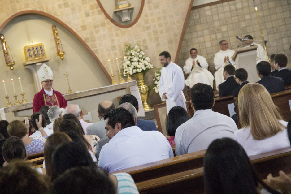 Ordenación Diaconal de Luis Troya en el Sodalicio de Vida Cristiana (12)