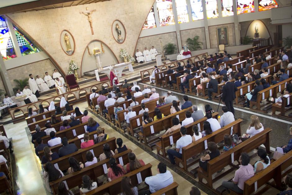Ordenación Diaconal de Luis Troya en el Sodalicio de Vida Cristiana (13)