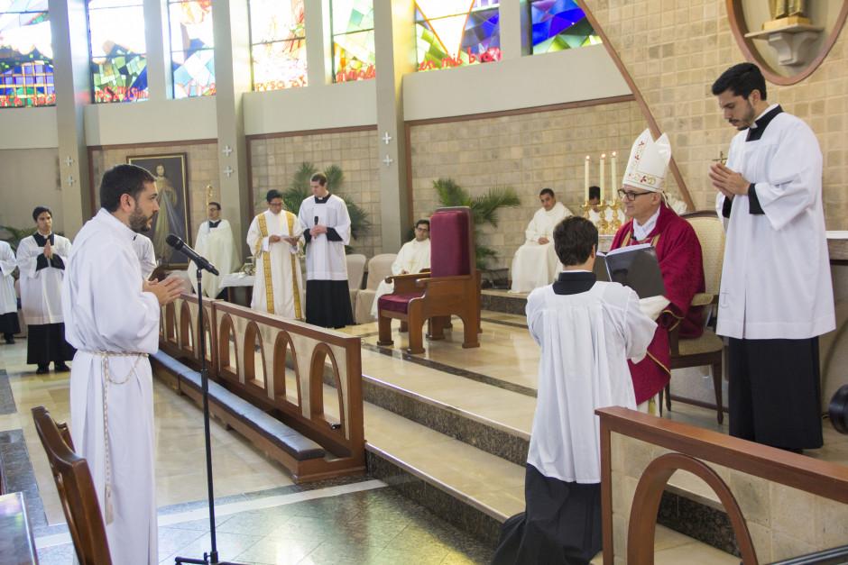 Ordenación Diaconal de Luis Troya en el Sodalicio de Vida Cristiana (14)