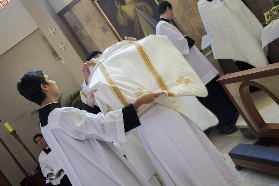 Ordenación Diaconal de Luis Troya en el Sodalicio de Vida Cristiana (18)
