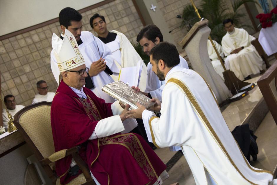 Ordenación Diaconal de Luis Troya en el Sodalicio de Vida Cristiana (19)