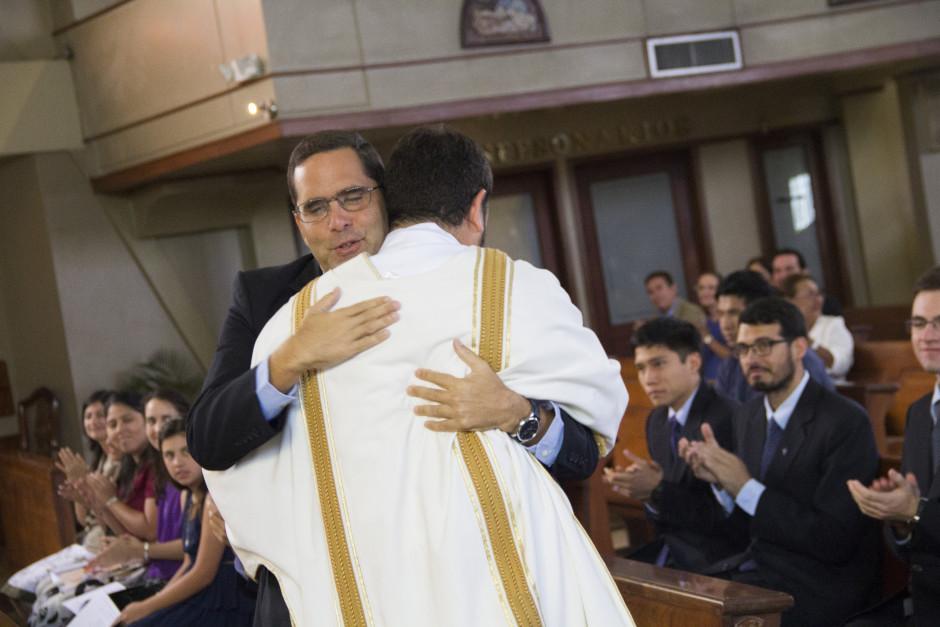Ordenación Diaconal de Luis Troya en el Sodalicio de Vida Cristiana (23)