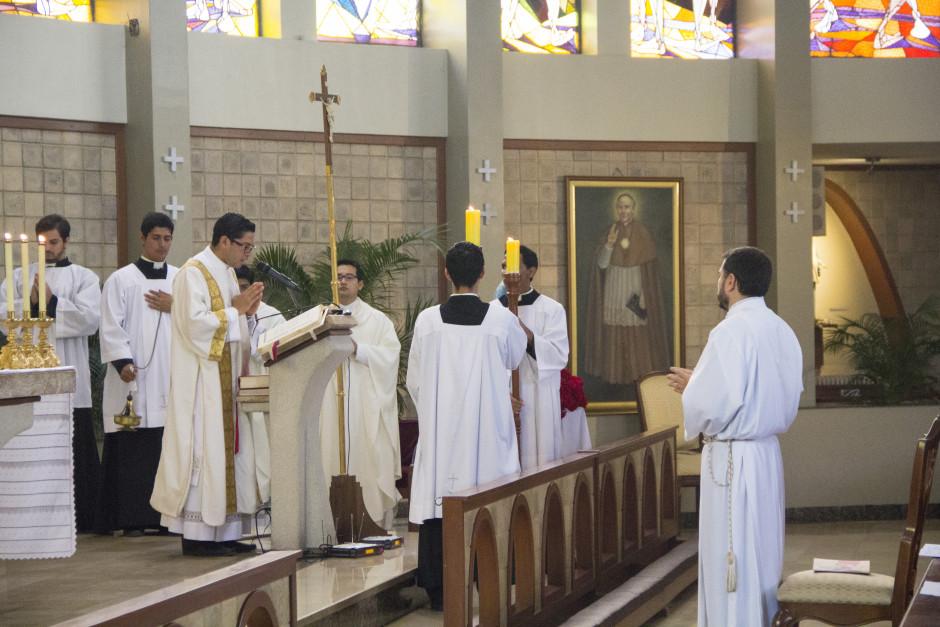 Ordenación Diaconal de Luis Troya en el Sodalicio de Vida Cristiana (3)