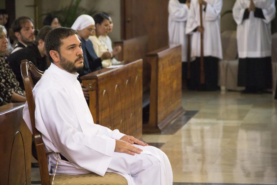 Ordenación Diaconal de Luis Troya en el Sodalicio de Vida Cristiana (4)