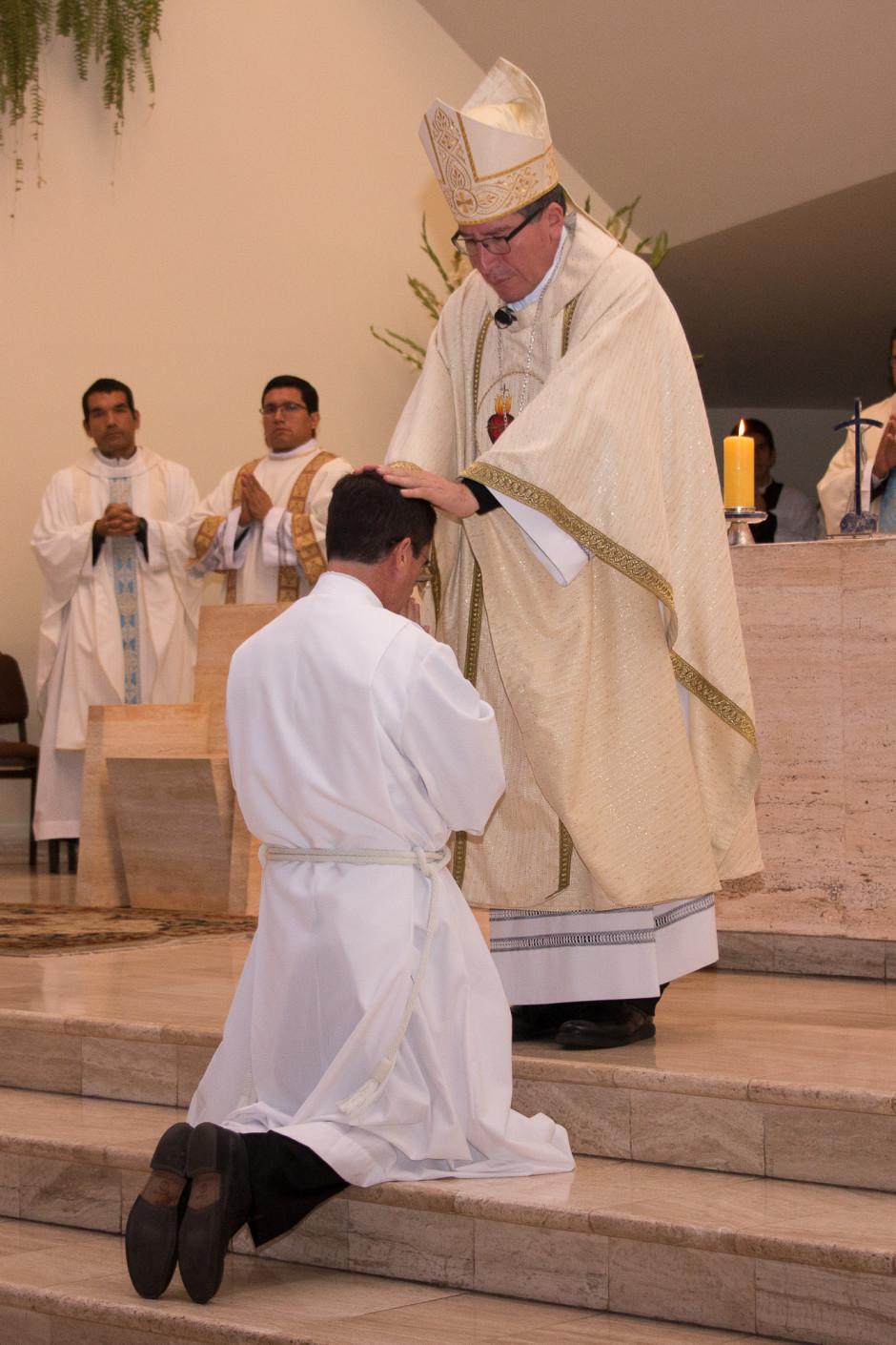 Ordenación Diaconal de Rafael Ísmodes en el Sodalicio de Vida Cristiana - Noticias del Sodalicio (11)