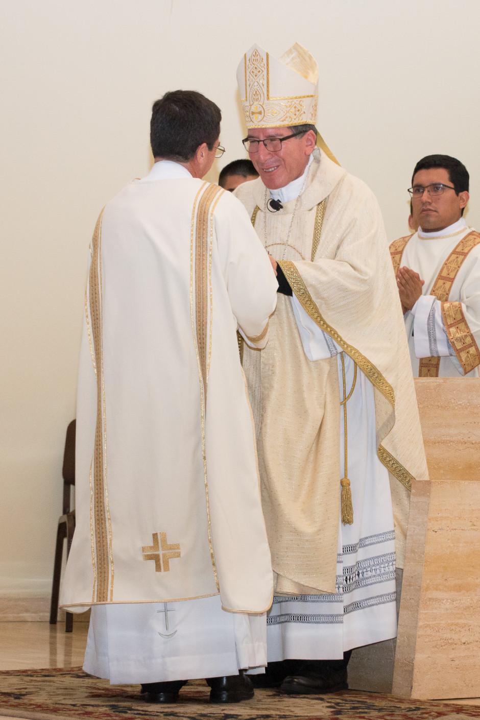 Ordenación Diaconal de Rafael Ísmodes en el Sodalicio de Vida Cristiana - Noticias del Sodalicio (13)