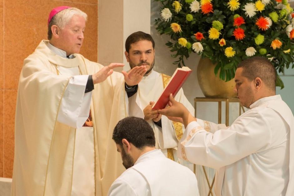 Ordenación Diaconal de Juan David Velásquez - Sodalicio de Vida Cristiana (6)
