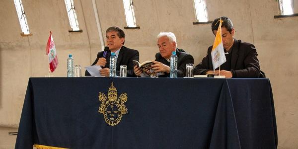 Presentación de libro del dr Gustavo Sánchez Rojas sobre el pontificado de Francisco - Noticias Sodálites (3)