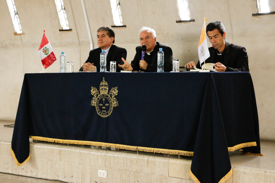 Presentación del libro sobre el magisterio pastoral del Papa Francisco del dr Gustavo Sánchez Rojas - Noticias Sodálites (2)