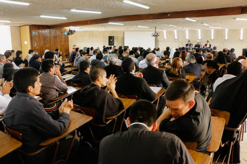 Presentación del libro sobre el magisterio pastoral del Papa Francisco del dr Gustavo Sánchez Rojas - Noticias Sodálites (5)