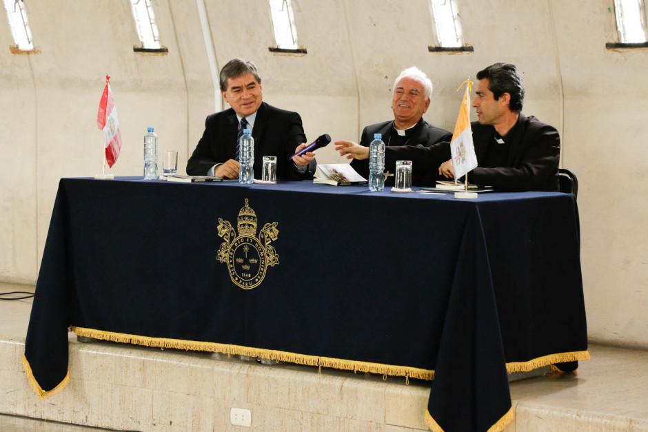 Presentación del libro sobre el magisterio pastoral del Papa Francisco del dr Gustavo Sánchez Rojas - Noticias Sodálites (7)