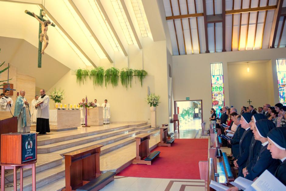 Misa por el XLVII Aniversario del Sodalicio de Vida Cristiana en Lima Perú - Noticias Sodálites (2)
