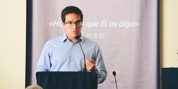 Adrián Meza durante la V Asamblea General del Sodalicio de Vida Cristiana habla sobre la comunidad en Argentina - Noticias Sodálites