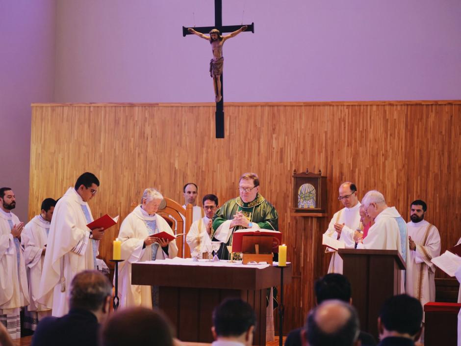Cardenal Joseph Tobin, Arzobispo de Newark y Delegado Ad Nutum para el Sodalicio, presidiendo la Celebración de la Santa Misa